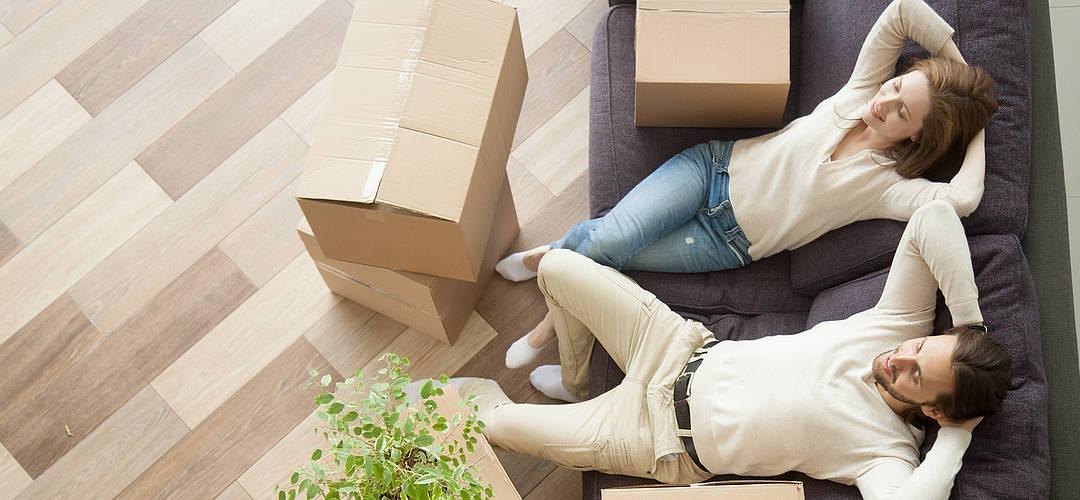 Der Umzug ins neue Heim – Mit Umzugsunternehmen oder auf eigene Faust?