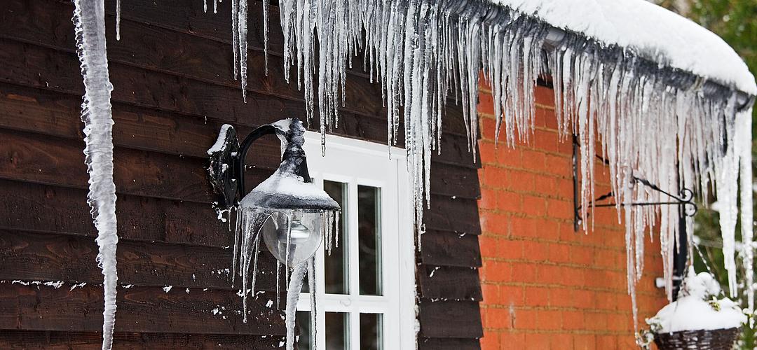 Mutter-Natur: Wann muss ein Hausbesitzer bei Wetterschäden haften?