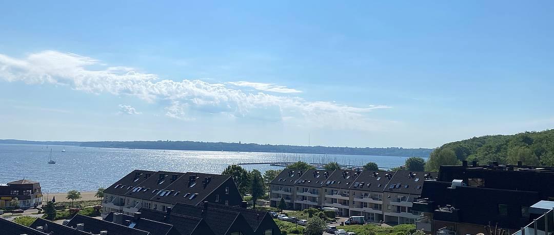 Vorschaubild der Immobilie: Individuelles Wohnen | Exklusive Maisonette Eigentumswohnung mit Penthouse-Charakter und Fördeblick