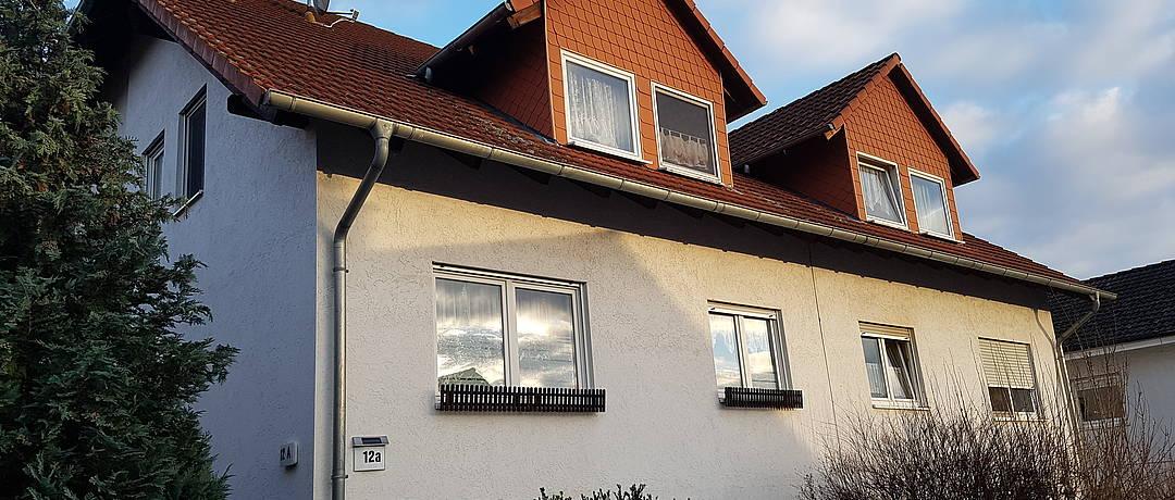 Vorschaubild der Immobilie: Für Kapitalanleger   Wohnfreundliches und preisbewusstes Mehrfamilienhaus in ruhiger Lage
